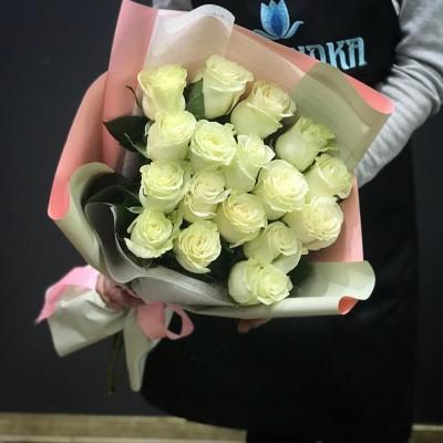 Букет из 17 роз Passion белый