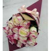 15 роз Sweetness в конусе