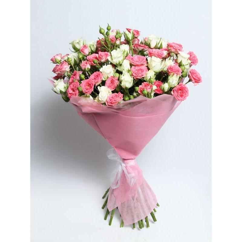 Купить Кустовые розы в коробке | Купить цветы в Москве | 800x800
