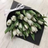 25 тюльпанов в конусе