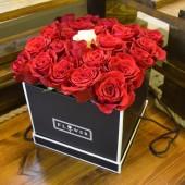 Коробка 25 роз Стиль