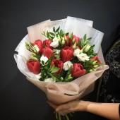 """Букет """"Весна пришла"""" красный"""