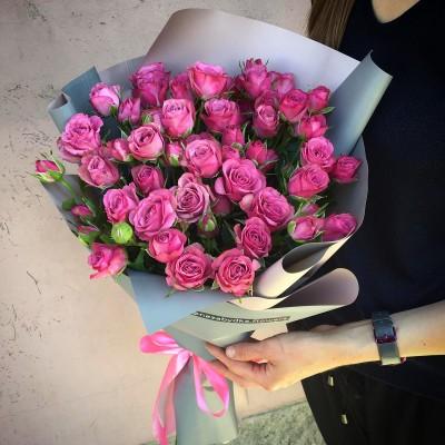 """Букет """"Леди"""" из кустовых роз"""