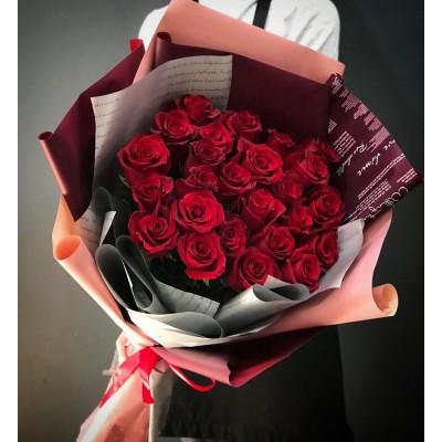 Букет 25 красных роз премиум упаковка