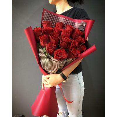 Букет из 17 роз Passion